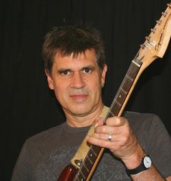 Gitarrist Jörg Sieghart - Foto 2017 Magdalena Szorc