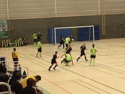 Spielszene der Halbfinalpartie RSV Klosterhardt gegen die DJK Spvg Herten.