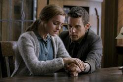 Emma Stone veut convaincre Ethan Hawke (©Metropolitan FilmExport)