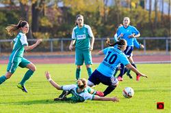 Rassige Zweikämpfe wie hier im Hinspiel erwarten uns sicherlich  auch am Sonntag in Bremen.               Foto: Torknipser.de
