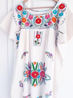 Mode aus Mexiko, Damenbluse, Tunika, Sommerkleid, Mexikanische Kleider Blumentop, Tunika aus Mexiko, Kleid aus Mexiko, besticktes buntes Kleid aus Mexiko, Tunika mit Stickerei aus Mexiko, mexikanische Boho Tunika / Hippie Bluse / Ethno Kleid / Folklor Top