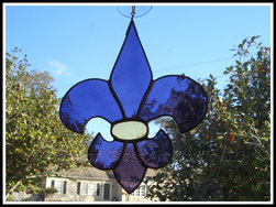 LSU Stained Glass Fleur de Lis Suncatcher ©Acadian Glass Art LLC 1998-2014. All Rights Reserved.