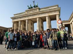 Vor dem Brandenburger Tor...