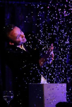 Le magicien Stephen Lucy