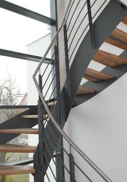 Stahl Flachwangentreppe