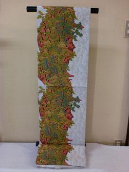 紹巴織萬葉の、天の橋立の柄を全通柄で表現している豪華な袋帯です