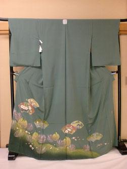 常盤色の個性的な色の加賀友禅の色留袖
