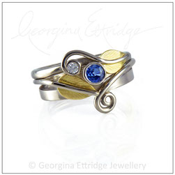 Sweeping Wishbone Leaf Ring Set  18ct Gold