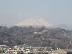 Takanoの大好きな浅間山を望み、
