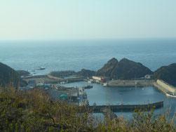 宿から見る津軽海峡。明日は、演奏です。