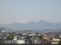 群馬県では快晴の妙義山を眺め