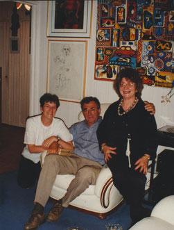 Jean-Claude Caire entre Simone et Jeanine Rivais, chez Jeanine Rivais.