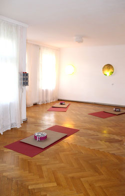 Yoga Übungsraum Yogamatten