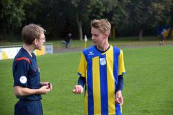 Diskussionsbedarf zwischen den Jevenstedter Schiedsrichtern nach dem Spiel