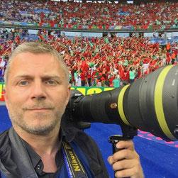 Unsere Studierenden aus dem Studiengang Sport- und Eventmanagement haben heute von Sportfotograf Michael Kienzler aus erster Hand erfahren, wie es bei Fußball-Weltmeisterschaften zugeht.