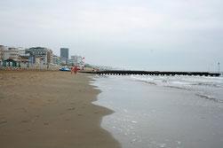 13 Der Strand/The beach