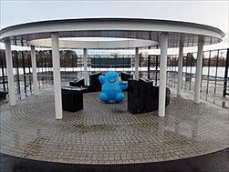 1月に完成した平岸高台テニスコートの水飲み場「ソラノイド」