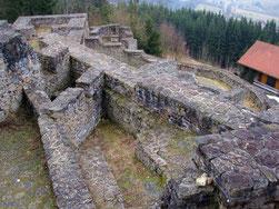 Burg Altnußberg, innerer Burghof, Kemenate und Kapelle