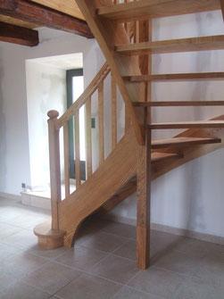 Artisan fabricant d'escaliers, volets, fenêtres, cuisines