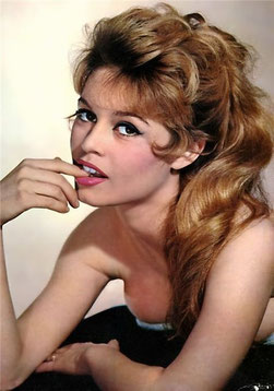 Brigitte Bardot, Mercure opposé Uranus, axe X-IV