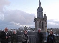 La Fraternité de Morlaix-Réo joue les guides touristiques pour Francette et Alain Gaillard, de la Fraternité de Jarnac.