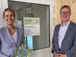 Frau Stauch-Eckmann im Gespräch mit dem Bundestagsabgeordneten Herrn Weiler