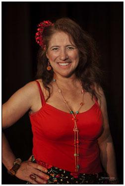 Nuria (Sopraan, Bestuursvoorzitter & Muziek/ Fondsen)