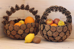 Paniers anse diverses en pommes de pin nature fait mains