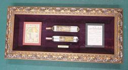 (23-2)  香水瓶とカード