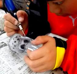 出張ガラスアート体験教室 ルーター彫刻