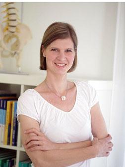 Frau Burkart ist bvo-zertifizierte Osteopathin für Erwachsene, Säuglinge, Kinder, Schwangere