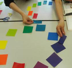 絵本の配色の絵本塾授業風景