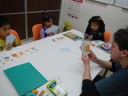 幼児英会話♪6名までの少人数グループレッスンです。