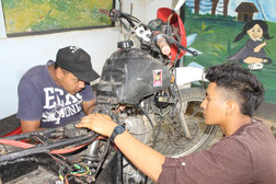 Ausbildung zum Motorradmechaniker (CECIM)