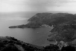 Photographie, Grèce, Péloponnèse, noir et blanc, mer, aube,  Mathieu Guillochon, Porto Kagio, cap Matapan, Magne, Thalassa, baie, port, payasage