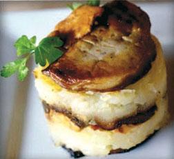 Écrasé de pommes de terre de Pertuis, bouchées de foie gras de canard poêlés, crémeux au miel du Luberon