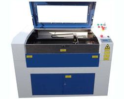 eine Lasergravier- und Schneidmaschine der Laserklasse 1 von SABKO