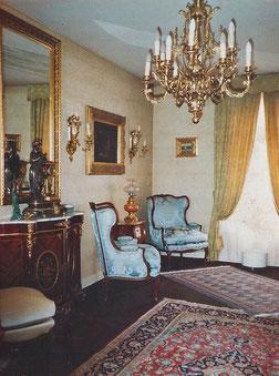 Un salon richement décoré de bronzes d'art restaurés par Lumibronze, Eric Picaut