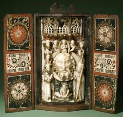 Retable portatif avec le chef de Saint Jean-Baptiste, albâtre et bois / Musée de Glasgow