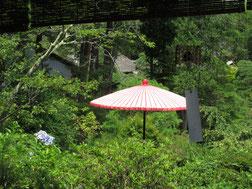 野点用の傘、優しい音色の風鈴