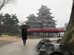 国宝松本城・雨