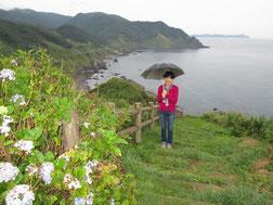 朝の散歩で龍飛岬から日本海側へ 小泊も見えます