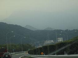 6:43 妙義山は霧の向こうでした