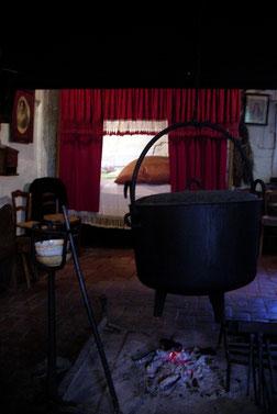Bild: Küche und Schlafzimmer in dem Museum Bressane