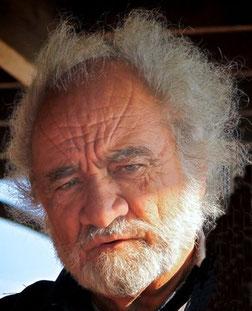 RICCARDO RELLA -  IL PIONIERE DEL TREKKING NEL SALENTO