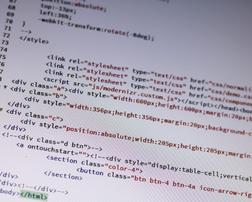 ホームページのコードを書き換えている