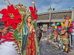 Fête de la Vierge à Mexico.