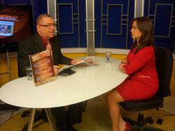 Laura Peña Izquierdo, es entrevistada en el programa Agenda Semanal, por el periodista Balbueno Medina