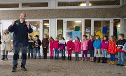 Bürgermeister Klaus Stapf kündigt an Streuobstwiesen weiter zu fördern, etwa durch städtische Unterstützung bei Baumpflanzungen.
