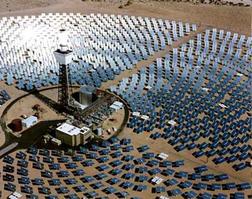 加州のタワー型太陽熱発電